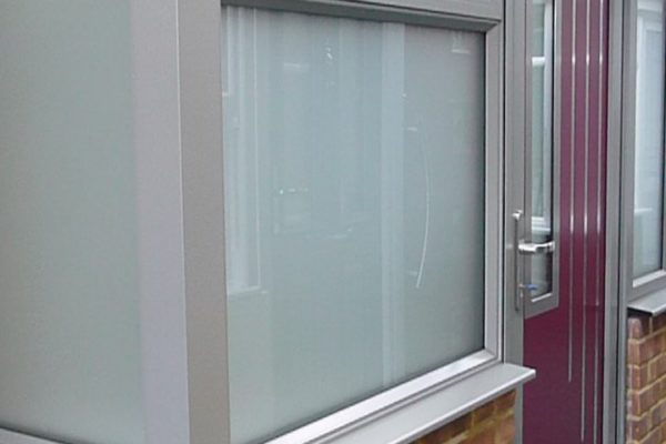 We have incorporated the new Origin window into this porch in our showroom. With an Origin aluminium door to create a grand statement porch